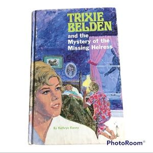 2/$10 Trixie Belden Mystery of the Missing Heiress